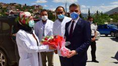 Vali Baruş Pandemi Kahramanları Hemşirelerin Gününü Kutladı