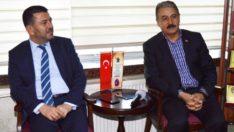 CHP Genel Başkan Yardımcısı Veli Ağbaba Malatya Esnaf Odası Başkanı Şevket Keskin'i ziyaret etti