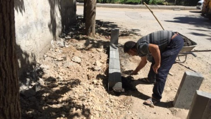 Siteler Mahallesi'nde Kaldırım Çalışması
