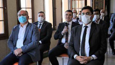 Cumhurbaşkanı İle 973 İlçe Başkanı Adına Muhammed Burak Kuruçay Bayramlaştı