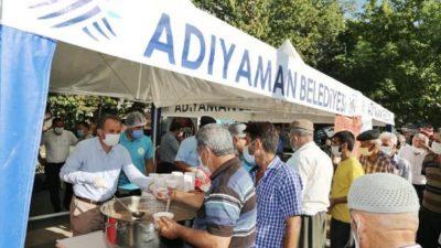 Başkan Kılınç, Vatandaşlara Aşure İkram Etti