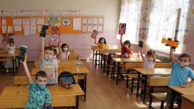 Adıyaman Belediyesi'nden Minik Öğrencilere Hijyen Seti ve Oyuncak