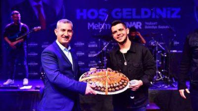 """Bilal Sonses Konseri, Sosyal Platformlarda Yoğun İlgi Gördü"""