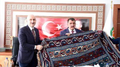 Başkan Karaismailoğlundan Büyükşehir Belediyesine Ziyaret