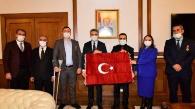 Türkiye Gaziler ve Şehit Aileleri Vakfı Genel Başkanı Aylar ve Beraberindeki Heyet, Vali Baruş'u Ziyaret Etti
