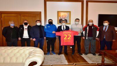 Edirne Belediyesi Paş Edirnespor Yönetim Kurulu Üyelerinden Vali Baruş'a Ziyaret
