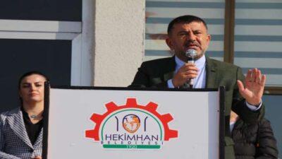 Veli Ağbaba, Hekimhan Belediyesi'nin araç filosuna eklenen yeni İş makinesi ve araçların tanıtımına katıldı.