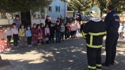 İtfaiyeciler, Miniklere Yangın Eğitimi Verdi