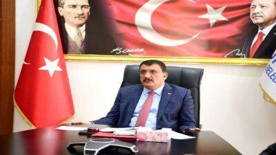 Başkan Gürkan, Cumhuriyet Üniversitesi Öğrencileri İle Online Söyleyişe Katıldı