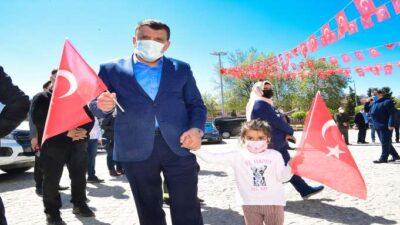 Malatya Büyükşehir Belediyesi üstü açık otobüsle sokakları dolaştı