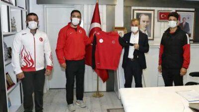 Milli Güreşçilerden Başkan Kılınç'a Ziyaret