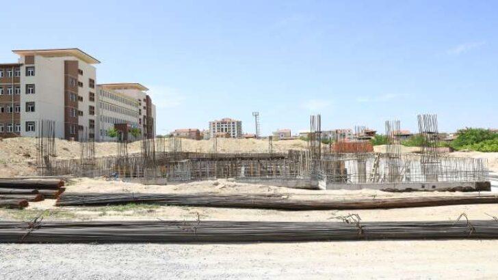Battalgazide Yarı Olimpik Havuz Çalışmaları Sürüyor