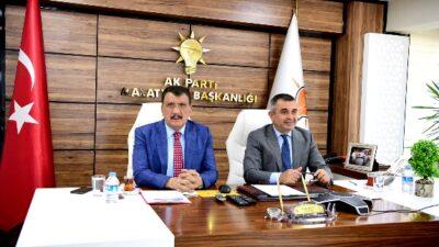 Cumhurbaşkanı Erdoğan Ak Partili Belediye Başkanlarıyla Video Konferans Sistemiyle Bir Araya Geldi