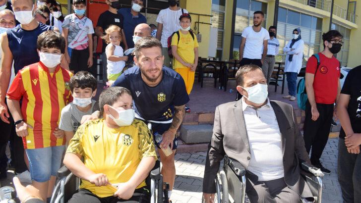 Yeni Malatyaspor'lu futbolcuları bir araya geldiler