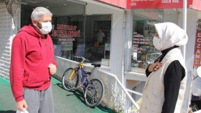 AK Partili Çalık'tan taksi durağına ziyaret