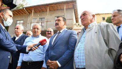 Malatya'da 718 Mahallemize De Asfalt Yollardan Gidilmesi Mümkün